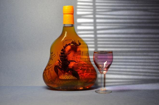 Nguyên tắc để có một bình rượu thuốc tốt, cách sử dụng và nhóm người không nên uống - Ảnh 1.