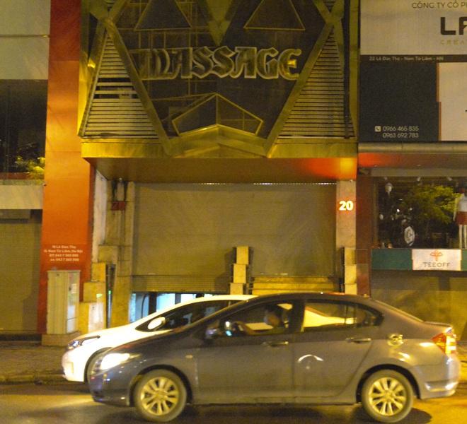 Hình ảnh khác lạ của các phố karaoke nổi tiếng Hà Nội sau chỉ đạo đóng cửa tạm thời - Ảnh 10.