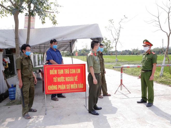 Nghệ An: Nhiều người từ Bệnh viện Bạch Mai về tự liên hệ để được hướng dẫn cách ly - Ảnh 4.
