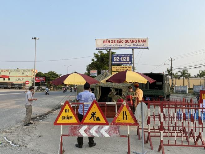 Quảng Nam quyết định thu phí cách ly những người từ Hà Nội, TP HCM trở về quê - Ảnh 2.