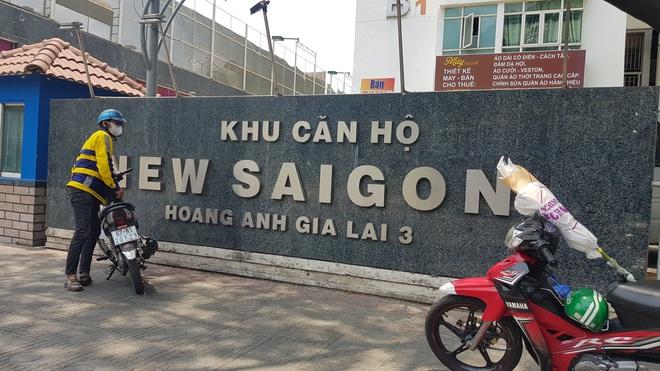 Lời khai của những người trong căn hộ nơi tiến sĩ Bùi Quang Tín rơi lầu tử vong - Ảnh 1.