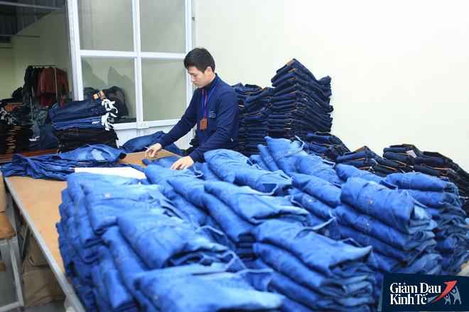 Đóng 80 cửa hàng vì Covid, sếp GenViet bị giảm 70% lương, đi bán hàng online như nhân viên - Ảnh 1.