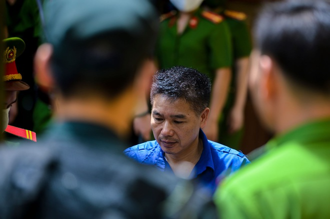 Những lời khai bất nhất của các bị cáo trong phiên xét xử vụ án gian lận điểm thi ở Sơn La - Ảnh 1.