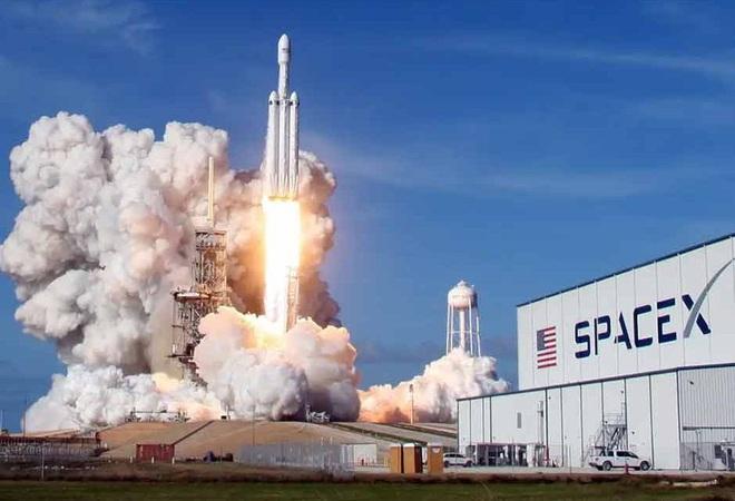 Chỉ phóng và thử nghiệm vệ tinh, SpaceX của Elon Musk kiếm tiền như thế nào? Tưởng không nhiều hóa ra nhiều không tưởng - Ảnh 1.