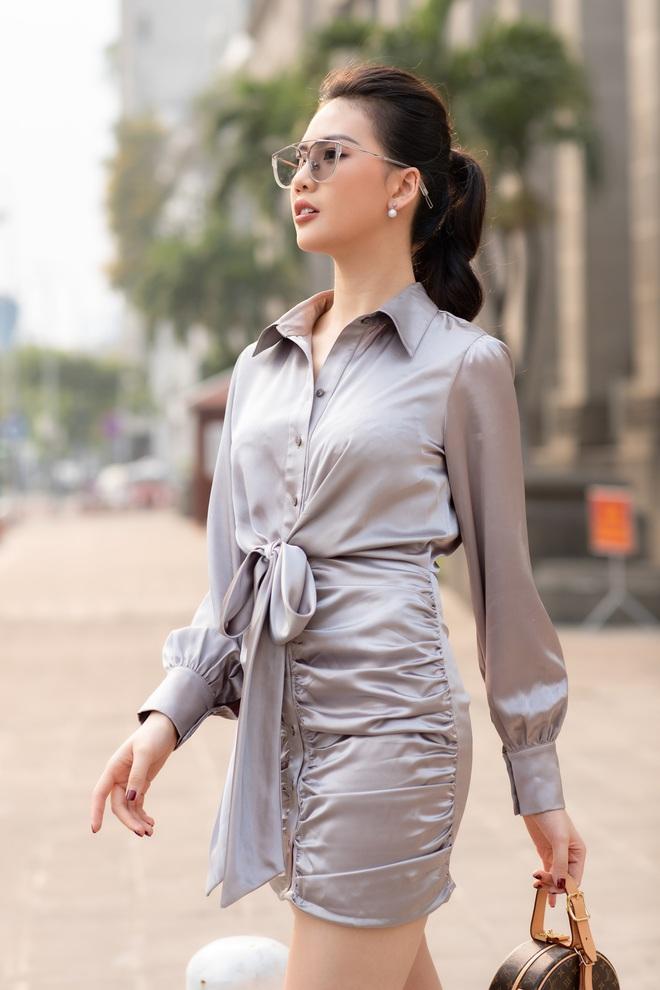 Siêu mẫu Quỳnh Hoa khoe khéo lưng trần và vòng eo 54 cm - Ảnh 6.