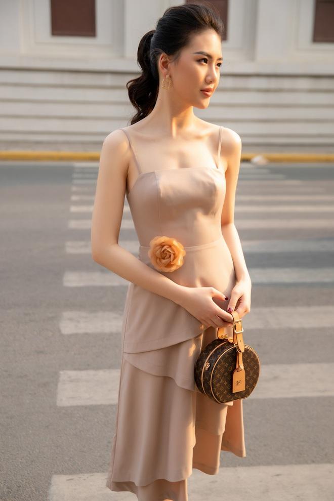 Siêu mẫu Quỳnh Hoa khoe khéo lưng trần và vòng eo 54 cm - Ảnh 7.