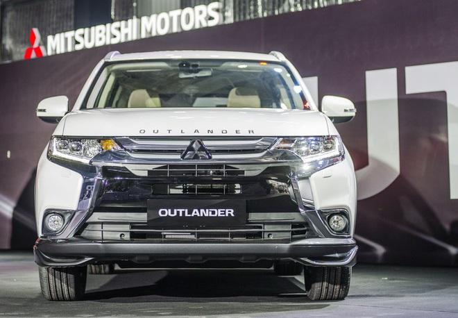 Cận cảnh mẫu ô tô Mitsubishi xả kho, giá giảm mạnh, thấp chưa từng có tại Việt Nam - Ảnh 2.