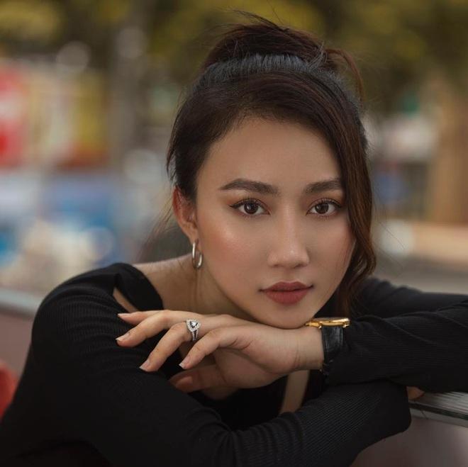 Huỳnh Hồng Loan: Tôi không thích đàn ông đẹp trai nhưng nghèo vì nghèo là không thông minh - Ảnh 2.