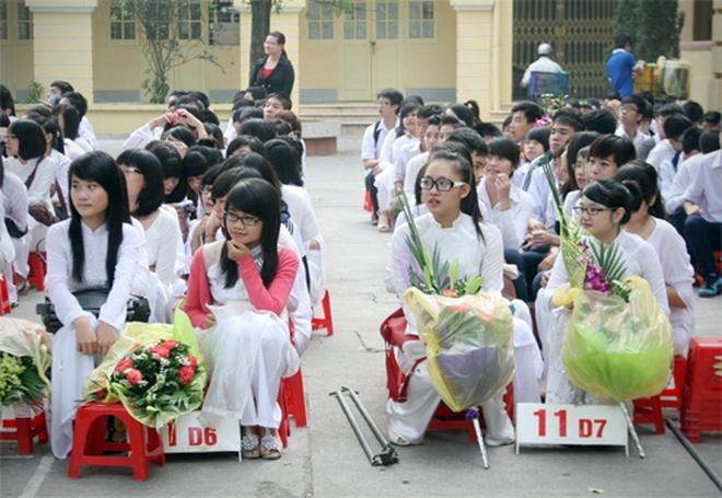 Học trò mừng ngày nhà giáo Việt Nam