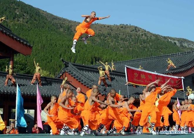 """Đệ tử Kungfu thiếu lâm """"đại náo"""" Trung Quốc"""