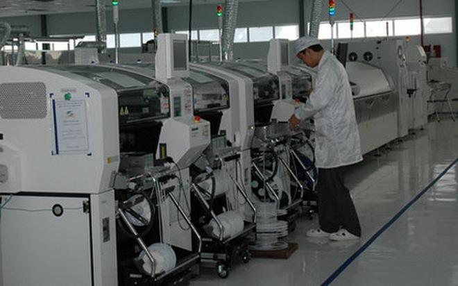"""""""Đột nhập"""" tổng hành dinh sản xuất điện thoại, máy tính của Viettel"""