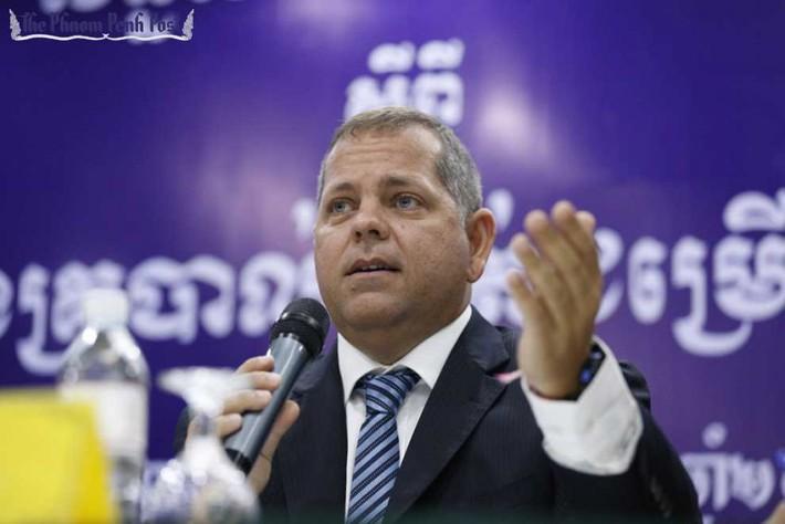 HLV Campuchia nói về viễn cảnh phải từ chức sau thảm bại trước Việt Nam - Ảnh 1.