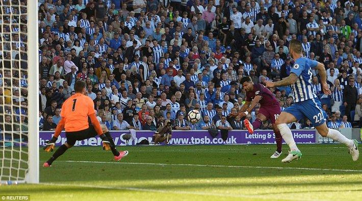 Man xanh thắng cách biệt, Pep Guardiola vẫn tối sầm mặt - Ảnh 7.