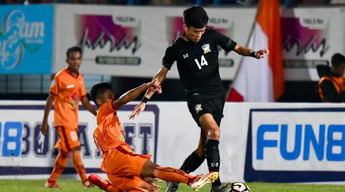 Thái Lan gục ngã sau màn rượt đuổi nghẹt thở với cơn mưa bàn thắng - Ảnh 2.