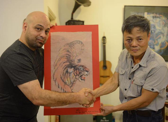 Những hành động đẹp khiến Flores nhận được nhiều thiện cảm ở Việt Nam - Ảnh 4.