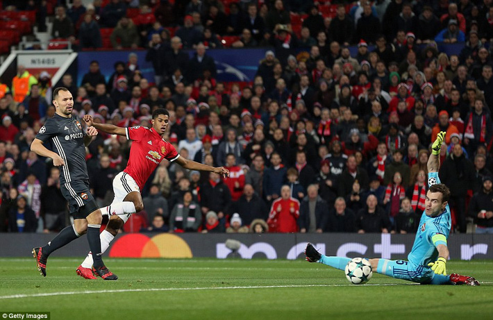 Xuất chiêu cách nhau đúng 65 giây, Lukaku và Rashford lấy tấm vé đi tiếp cho Man United - Ảnh 2.