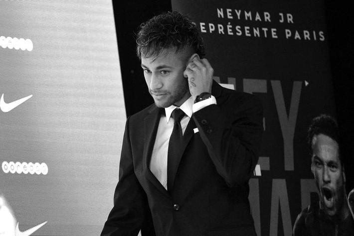 Không phải Messi, cuộc chiến Ronaldo vs Neymar giờ đây mới một mất một còn - Ảnh 3.