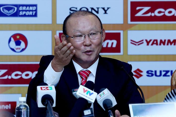 Vừa ký xong hợp đồng, HLV Park Hang Seo đã vội vã về nước - Ảnh 2.