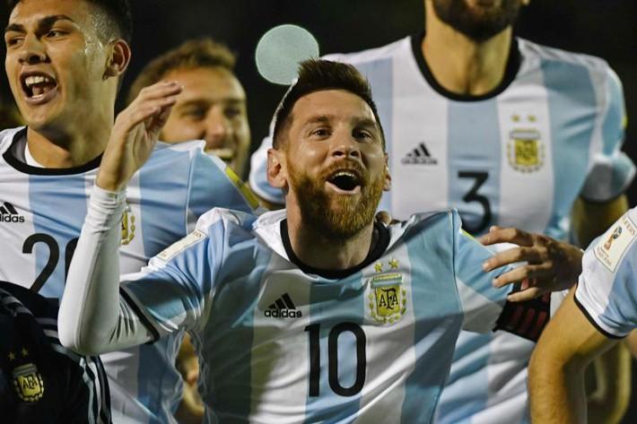 Messi, người hùng mang dư vị đắng - Ảnh 2.