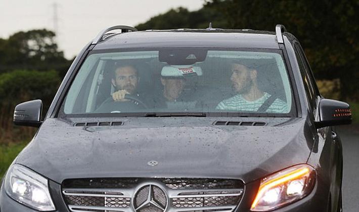 Ibrahimovic tái ngộ Mourinho ở trung tâm Carrington - Ảnh 4.