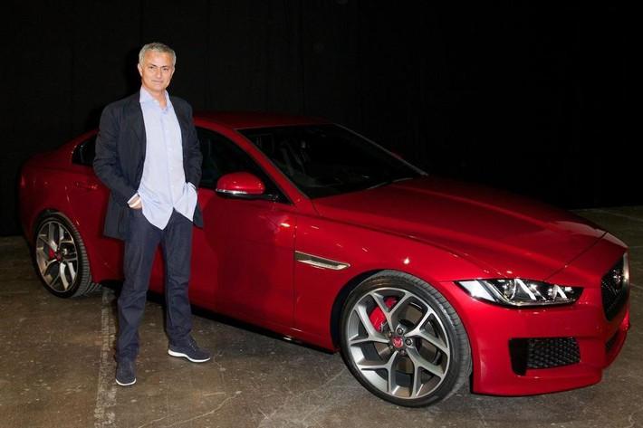 Thú vui tao nhã của HLV Mourinho với xế hộp - Ảnh 1.