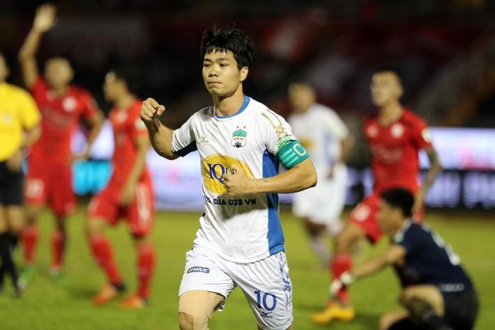 Hàng công tuyển Việt Nam quá mạnh, HLV Park Hang Seo đau đầu bỏ ai, chọn ai - Ảnh 2.