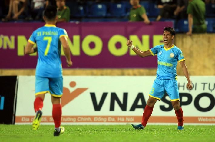 Hàng công tuyển Việt Nam quá mạnh, HLV Park Hang Seo đau đầu bỏ ai, chọn ai - Ảnh 4.