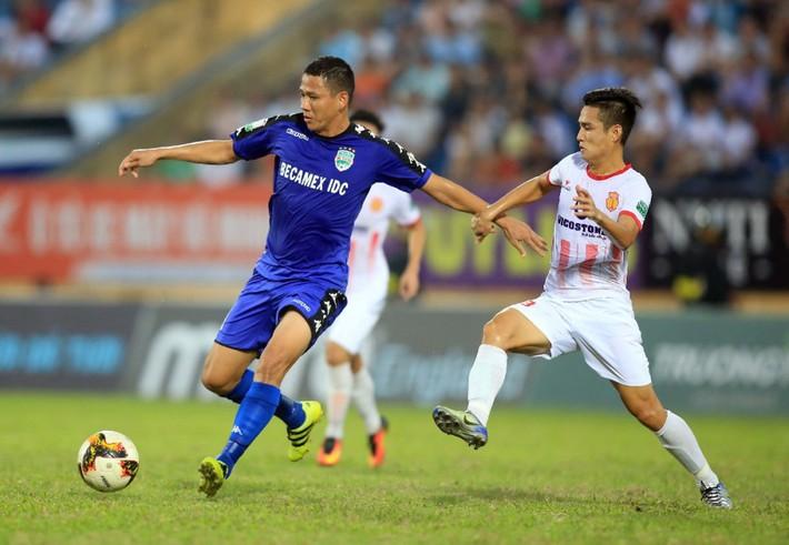 Hàng công tuyển Việt Nam quá mạnh, HLV Park Hang Seo đau đầu bỏ ai, chọn ai - Ảnh 5.