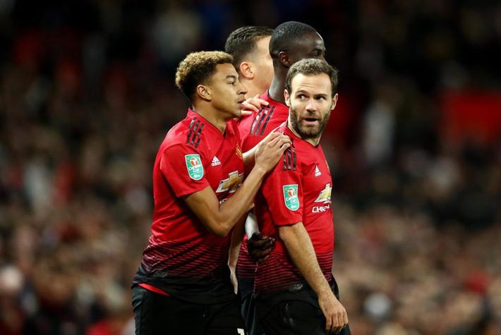Chia sẻ tấm ảnh đặc biệt, Rooney đang nhớ Man United? - Ảnh 2.