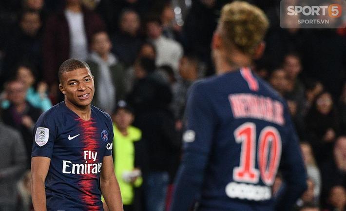 Bi hài chuyện Neymar: Hết chạy Messi giờ lại gặp Mbappe - Ảnh 1.