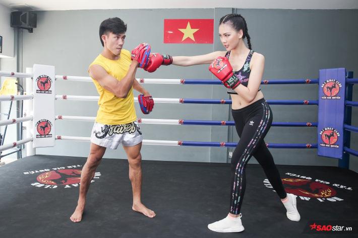 Siêu mẫu Bùi Quỳnh Hoa so găng với độc cô cầu bại Muay Thái - Ảnh 11.