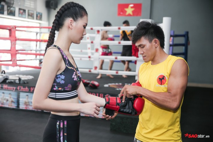 Siêu mẫu Bùi Quỳnh Hoa so găng với độc cô cầu bại Muay Thái - Ảnh 3.