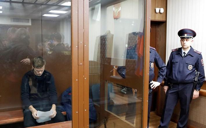 Hai cầu thủ Nga bị tạm giam 2 tháng - Ảnh 4.