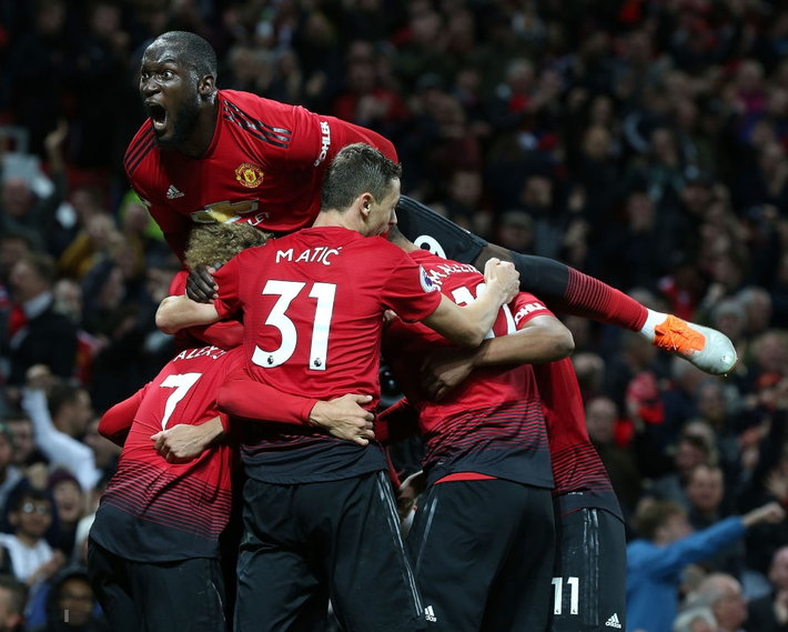 Ngược dòng không tưởng, Man United khiến Old Trafford vỡ òa với đòn phá phủ trầm châu - Ảnh 5.