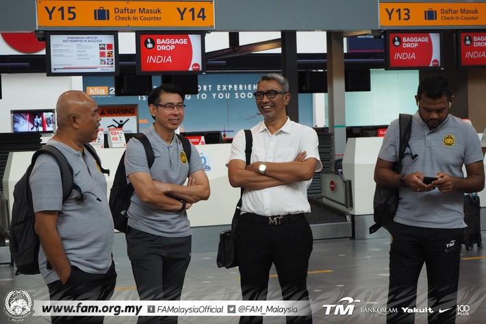 ĐT Malaysia gặp sự cố khó tin khi vừa đặt chân đến Việt Nam - Ảnh 2.