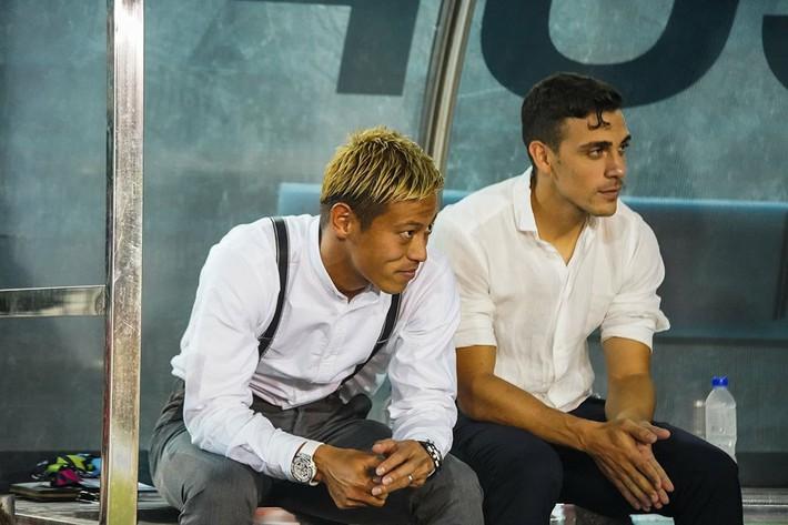 Quyết định lạ lùng với Messi Campuchia, Honda sẽ chịu hậu quả giống HLV Toshiya Miura? - Ảnh 2.