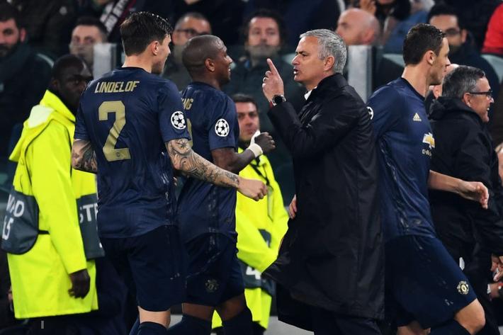Hãy ngưng chê Mourinho, bởi chính Man United đã đánh mất bản năng chiến đấu - Ảnh 3.