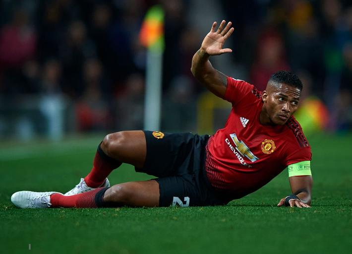 Hãy ngưng chê Mourinho, bởi chính Man United đã đánh mất bản năng chiến đấu - Ảnh 4.