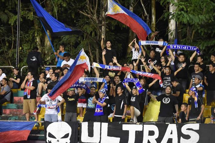 CĐV Việt Nam 'phát điên' với vé, CĐV Philippines thờ ơ đến lạ - Ảnh 2.