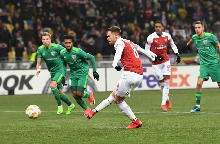 Toàn cảnh Vorskla 0-3 Arsenal: Pháo trẻ mở đại tiệc - Ảnh 7.