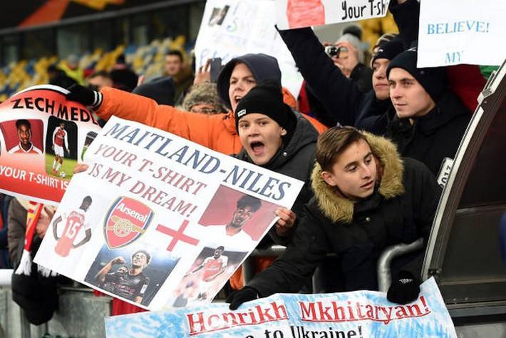 Toàn cảnh Vorskla 0-3 Arsenal: Pháo trẻ mở đại tiệc - Ảnh 8.