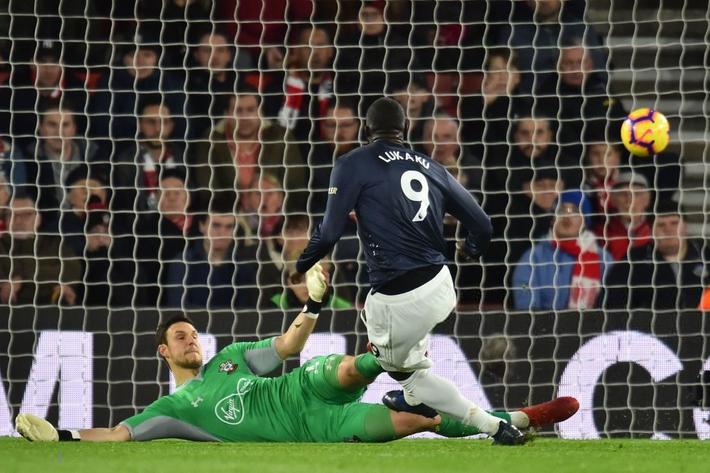Nhận hai cú tát tối mặt, Man United tiếc nuối trong ngày Pogba, Lukaku diễn trò hề - Ảnh 3.