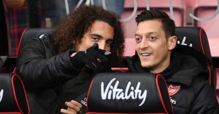 Khi vũ khí tối thượng mất đi sự sắc bén, Ozil không còn là trái tim của Arsenal - Ảnh 1.