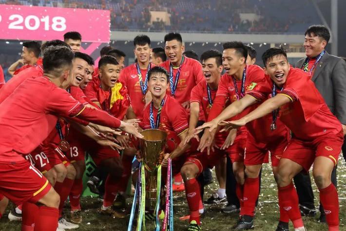 """Đây là lý do để bầu Hiển """"cười thầm"""" khi tuyển Việt Nam dự Asian Cup - Ảnh 1."""