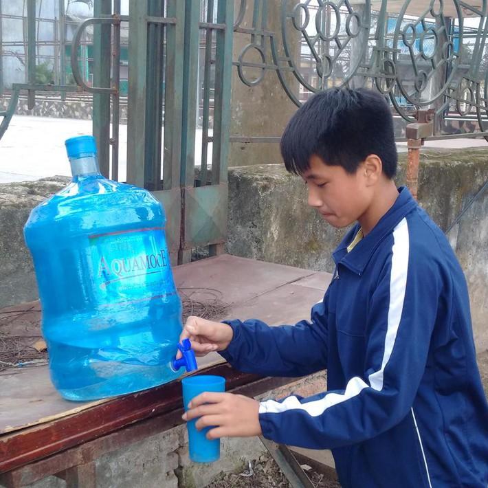 Quang Hải, Văn Hậu và Đức Huy truyền cảm hứng cho các cầu thủ trẻ - Ảnh 6.
