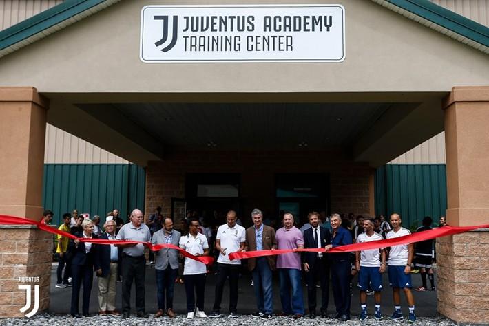 """Ai """"đỡ đầu"""" Juventus mở học viện ở TP.HCM? - Ảnh 1."""