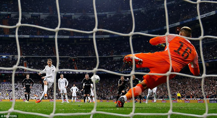 Lội ngược dòng bằng cú đúp khó tin, Ronaldo khiến Neymar nuốt hận - Ảnh 15.