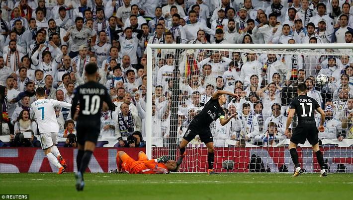Lội ngược dòng bằng cú đúp khó tin, Ronaldo khiến Neymar nuốt hận - Ảnh 3.