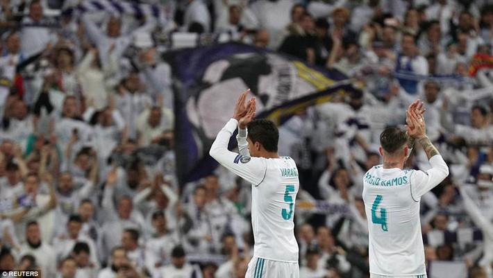 Lội ngược dòng bằng cú đúp khó tin, Ronaldo khiến Neymar nuốt hận - Ảnh 26.