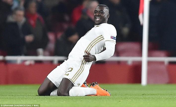 Chủ quan khinh địch, Arsenal lãnh đòn đau từ đội bóng vô danh ngay trên sân nhà - Ảnh 2.